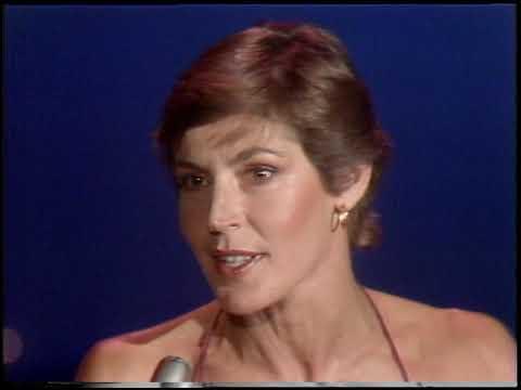 American Bandstand 1980- Interview Helen Reddy
