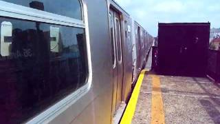 MTA BMT Astoria: Ditmars Blvd bound R160B (N) train departing 36 Av