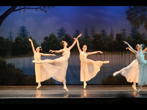 Sing Hallelujah to the Lord - Ballet with live piano music worship