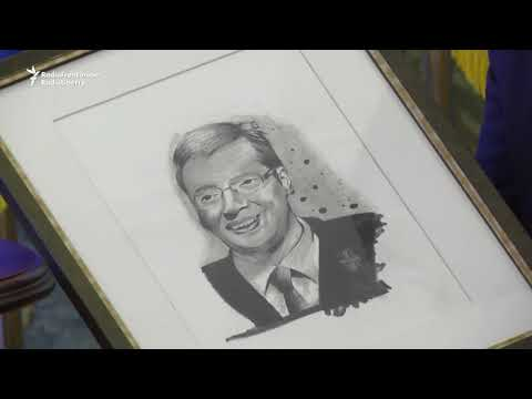 Refugee 'Little Picasso' Gives Portrait To Serbian President