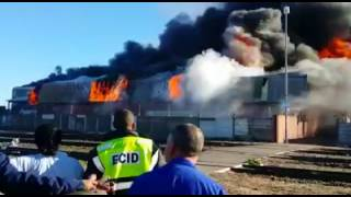 Factory on fire in Epping   Video by Crime in Cape Town