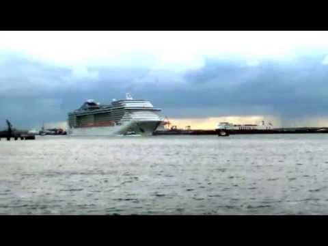 cruise ship in dublin docks msc splendida