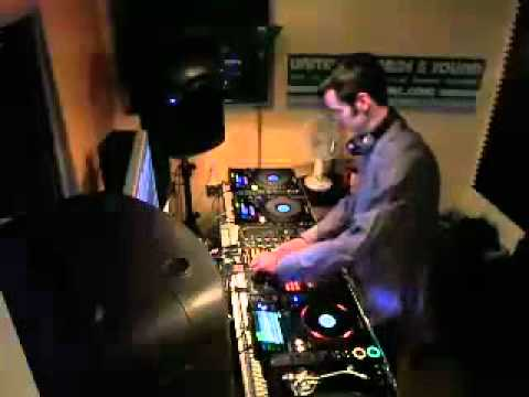 DJ David X - Deep Techno / Progressive House / Breaks Live Mix Dec. 27 2011