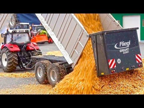 Unbelievable functionality in a small Scale! Siku-Control! HOF-Mohr! Traktorado! 1:32 Scale!