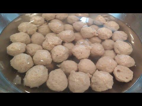 C/w Nana: Lao Meatballs ( ລູກຊີ້ນ == Luke Seen)
