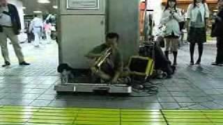 2007.10.12 Fri.品川駅高輪口にて 小松利暢ストリートライブ。