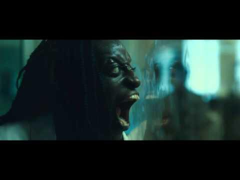 World War Z - Black zombie lady
