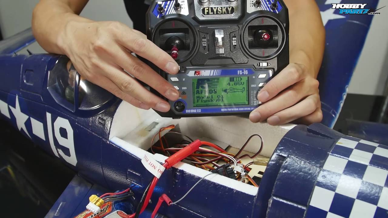 How to Hook Up 2 Aileron Servos to the Receiver of a RC Airplane