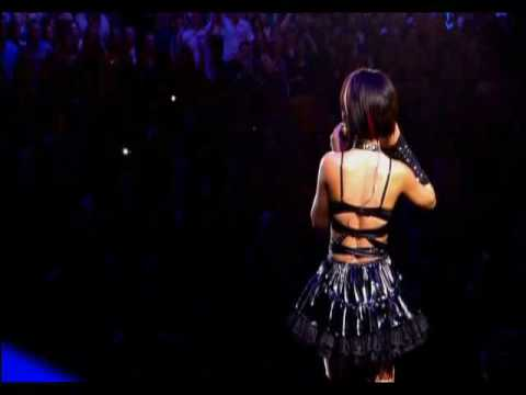 Rihanna - Rehab [Live In Manchester]