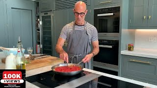 Stanley Tucci : How to make Marinara Sauce