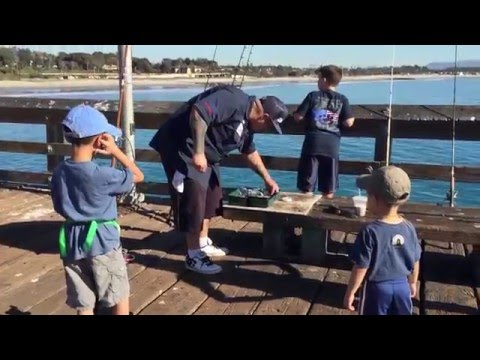 Fishing on Ventura Pier with Kevin Brannon (bonus footage)