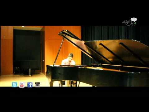Young Pianist Performs at Music Hall