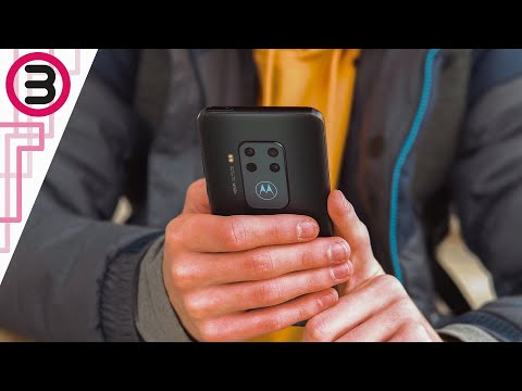 Pixel 3a Killer? - Motorola One Zoom 1 Month later Review