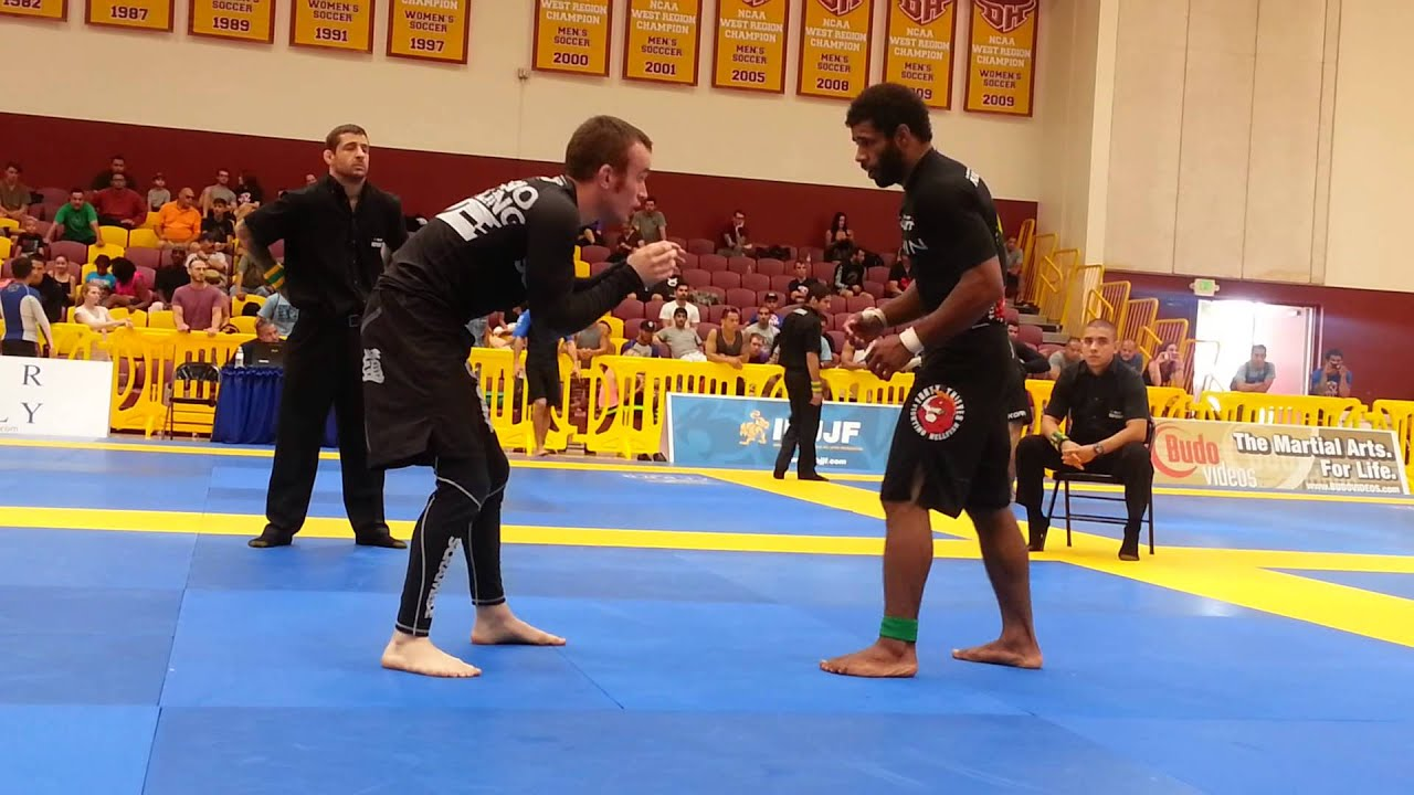 Vitor Oliveira vs Oliver Geddes - Black Belt Middle Final - American  Nationals NO GI 2013