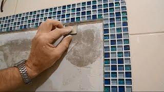 видео Вопрос: Можно ли «жидкими гвоздями» приклеить стеклянную мозаику в ванной?