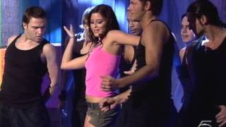 Holly Valance - Kiss Kiss (Salsa Rosa 22.02.2003)