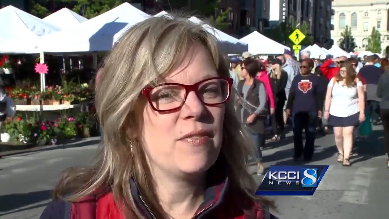 40000 people attend first Downtown Farmers' Market of season