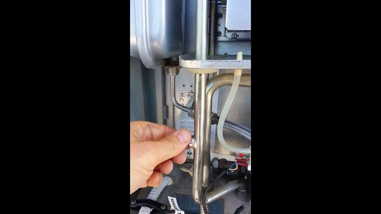 Pulizia caldaia lamborghini fai da te youtube - Caldaia a gas da interno ...