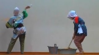 The dance in a recreational meeting for the aged. 敬老会での踊りです。Arrangement of a dance コミカルな振り付け踊りで楽しいです。It is an interesting dance.