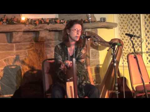 Mary Kay Mann Performs an Irish Lilt