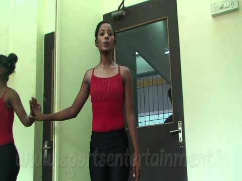 Learning Rhythmic Gymnstics with Pooja Surve..