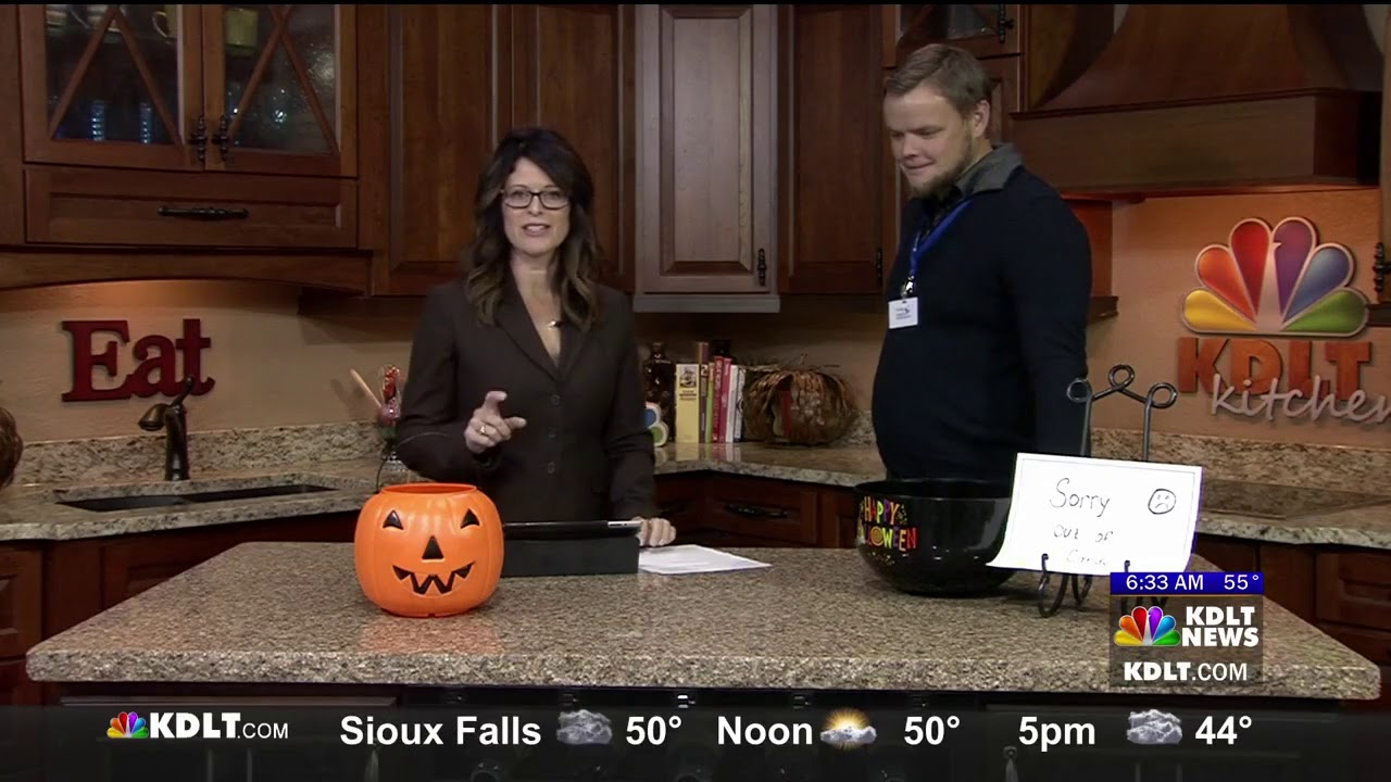 kdlt nbc sioux falls, sd halloween helpers 2017 - youtube