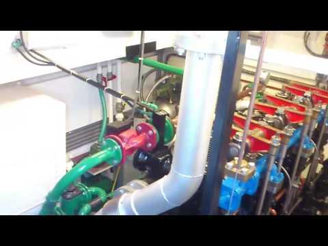 Sleepboot woonschip de Rikus de industrie 3 VD 6 scheepsdiesel