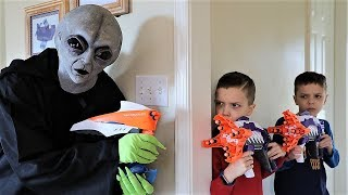 [Nerf Battle] Alien Invasion!  Extra Terrestrial Blast! (2019)