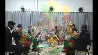 Gruppe-Cartoon - Lied des Musikers und der Ort der Specht mit gelb, castelo Ra-Tim-bum