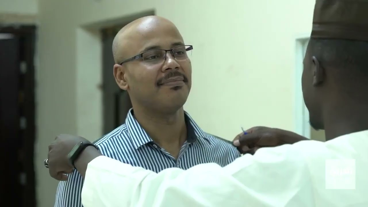 مهن ومواسم | تعرف على كيفية صناعة الزي التقليدي السوداني المعروف محلياً باسم -على الله-  - نشر قبل 2 ساعة