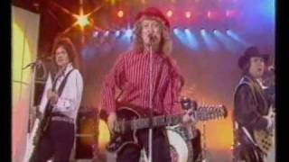 Watch Slade We Wont Give In video