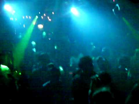"SWAYBEATZ-TV DJ LEAD SPINS ""FABULOUS"" @ CLUB AZURE OSAKA JAPAN"