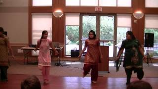 Indian-American girls dance at Independence Day