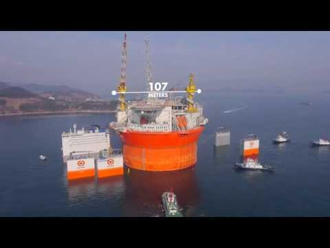 Dockwise Vanguard transport gigantic Goliat FPSO