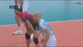 Алексей Вербов набирает очко в атаке