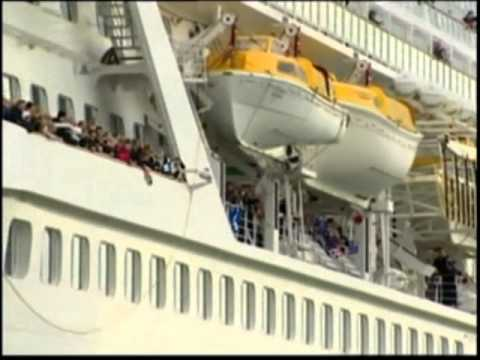 1300 Passengers Recreate Titanic