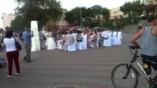 Типичная Россия, Омск: Свадьба на берегу Иртыша, где все бухают    InterestingVideosIV