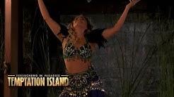 Dahnya verführt die Männer mit einem sexy Bauchtanz | Temptation Island - Folge 08
