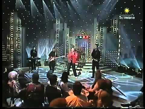 Shakin' Stevens - Give Me Your Heart Tonight (Live, 1982)