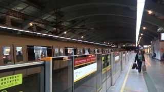 {**強烈對比}廣州地鐵1號線西門子列車及龐巴迪Movia 456列車駛離花地灣站