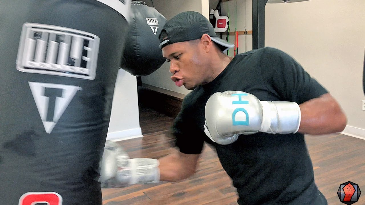 WOW! WATCH DEVIN HANEY THROW RIB BREAKING PUNCHES ON HEAVY BAG DURING BOXING WORKOUT