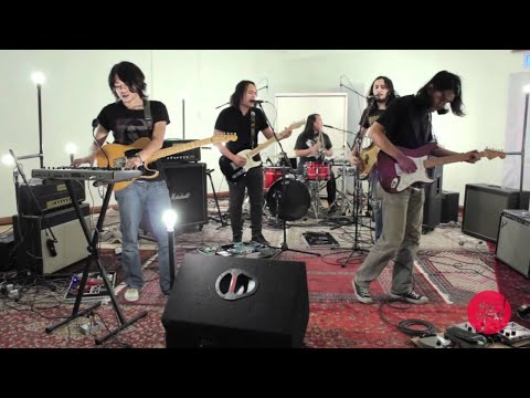 Pitahati - Bintang Biru Kristal Salju (Live on The Wknd Sessions, #51)