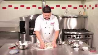 Cooking With Pmq: How To Make A Chicken Bacon Ranch Pizza