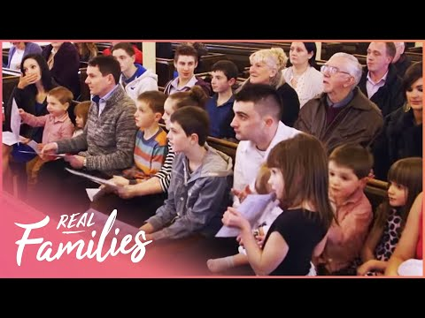Thumbnail: Family Of 18 Get 11 Kids Christened | 16 Kids And Counting | Episode 2