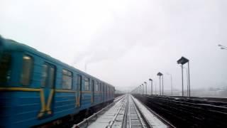 Киевское метро- вид из кабины машиниста поезда, Kiev Metro: cab view(Поездка в метро глазами машиниста современного поезда