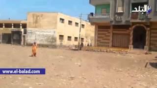 بالفيديو والصور.. المنازل تخنق ملعب مركز شباب 'جديدة الهالة'.. وشباب القرية للوزير: 'عايزين مكان لائق'