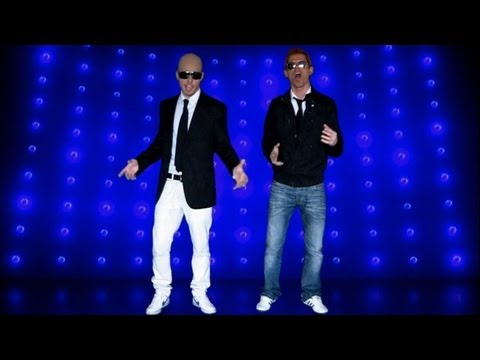 "Pitbull ft. Chris Brown - International Love - Parody/Spoof - ""Semana da Queima"""