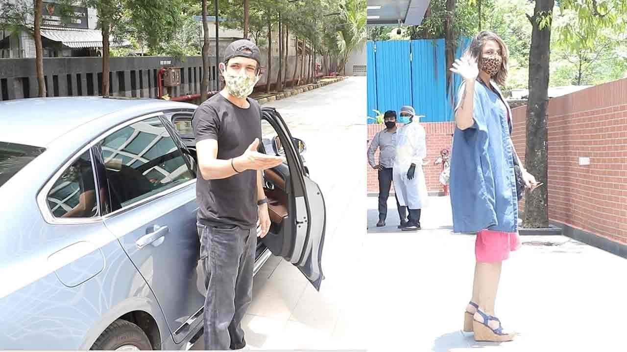 Vikrantr Massay & Urvashi Dholakia Taking Care Of Household Chores In Mumbai  City