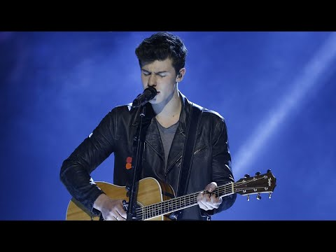 "Shawn Mendes ""Stitches"" - Live at the 2016 JUNO Awards"