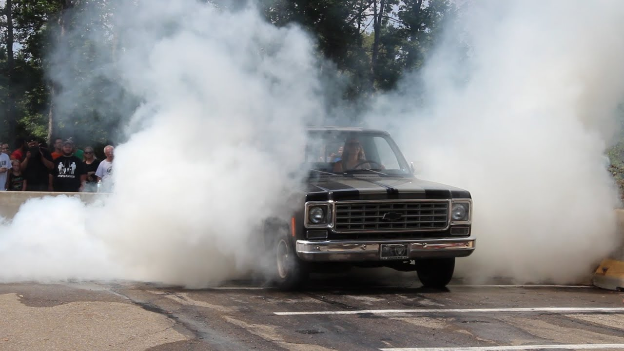 Girls And Trucks Wallpaper Girl Does Huge Burnout In Old Chevy Truck Youtube